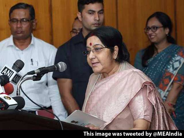 Video : In Bangladesh, Sushma Swaraj Offers Her Thoughts On The Rohingya Crisis