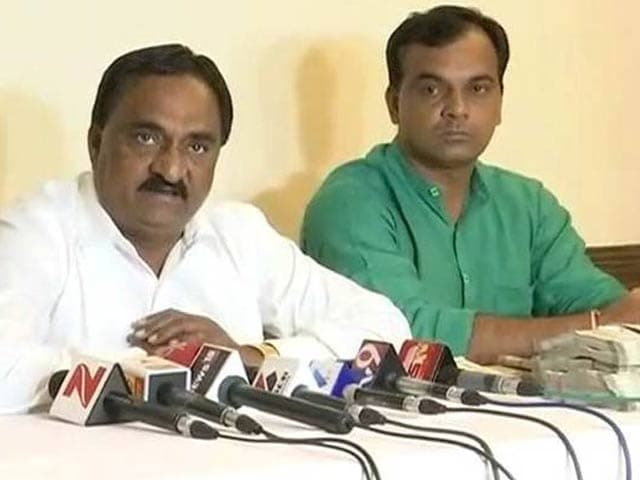 Video : 'BJP Offered Rs. 1 Crore To Switch': Hardik Patel Aide's Sensational Claim