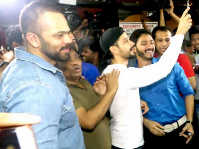 Golmaal Again Team Mobbed Outside Gaiety Galaxy Cinema