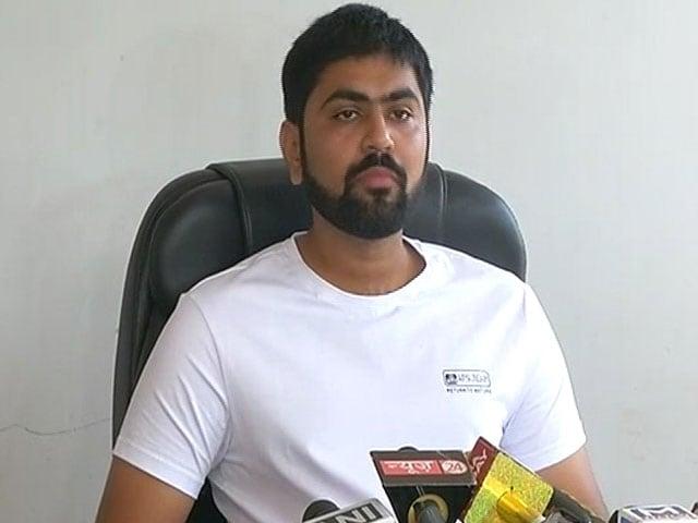 Video : As Hardik Patel's Aide Alleges Bribe, 'Upset' Leader Quits BJP