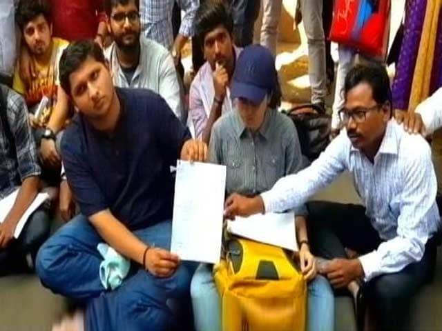 Video : मुंबई विश्वविद्यालय ने दोगुना किया परीक्षा शुल्क