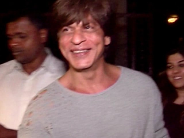 Video : Spotted! Shah Rukh Khan Outside Shankar Ehsaan Loy's Studio