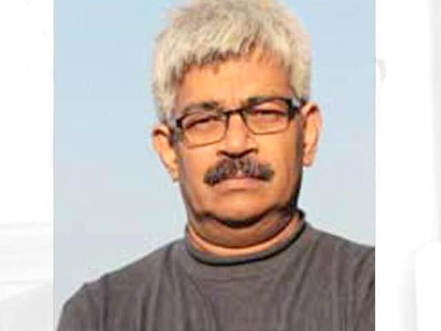 Videos : वरिष्ठ पत्रकार विनोद वर्मा को छत्तीसगढ़ पुलिस ने किया गिरफ्तार