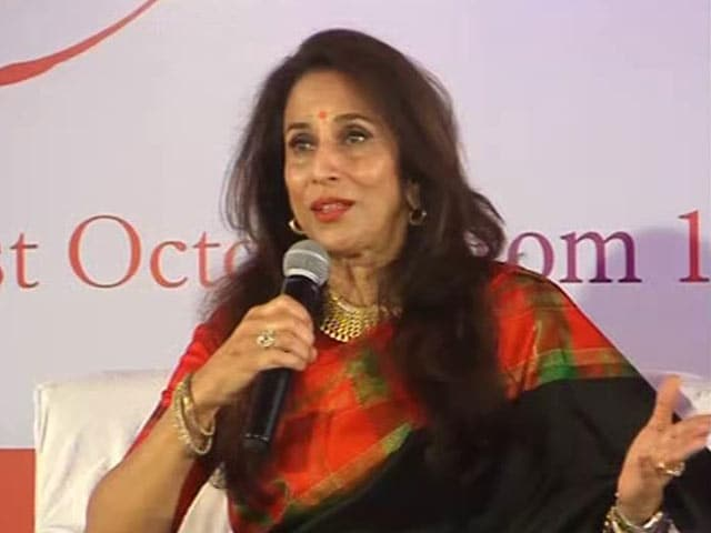 Video : Politics In Bollywood vs Hollywood: As Shobhaa De Sees It