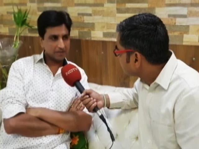 Video : आम आदमी पार्टी ने ओखला से विधायक अमानतुल्ला ख़ान को बहाल किया