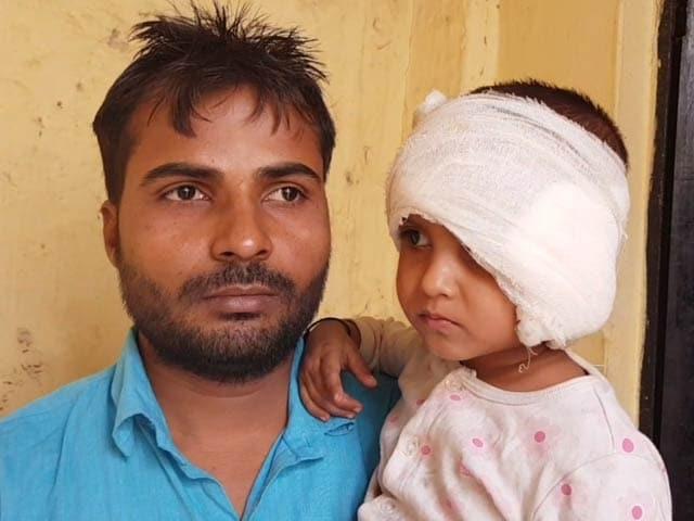 Video : दिल्ली : वसंत कुंज में ढाई साल की बच्ची को 100 मी. तक घसीटते ले गई कार
