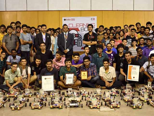 Video : Robots Made By IIT Students Sweep Their Way To Record Books