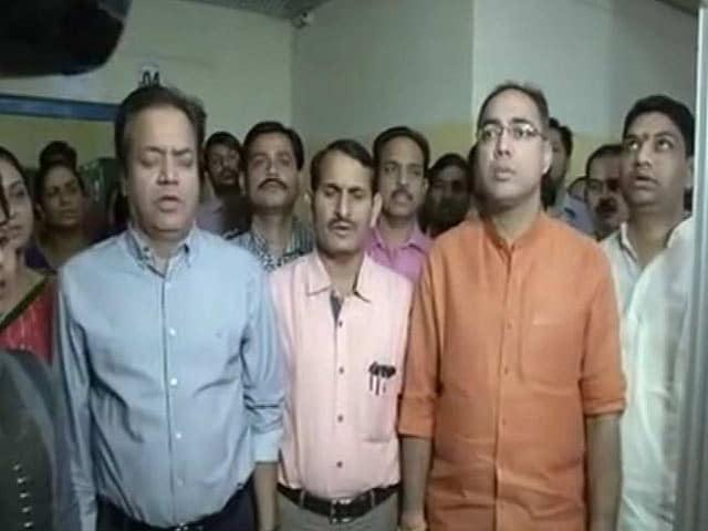 Videos : जयपुर नगर निगम ने राष्ट्रगान, राष्ट्रगीत गायन अनिवार्य किया