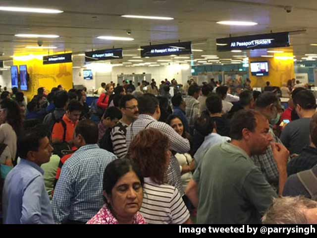 Video : Long Immigration Queues At Delhi Airport As Home, Aviation Ministry Spar