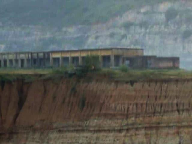 Videos : प्राइम टाइम : गोड्डा के स्कूल को हादसे का इंतज़ार?