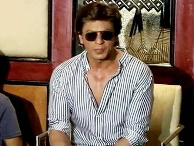 Videos : मीडिया से बात करते हुए शाहरुख खान ने खोले दिल के राज