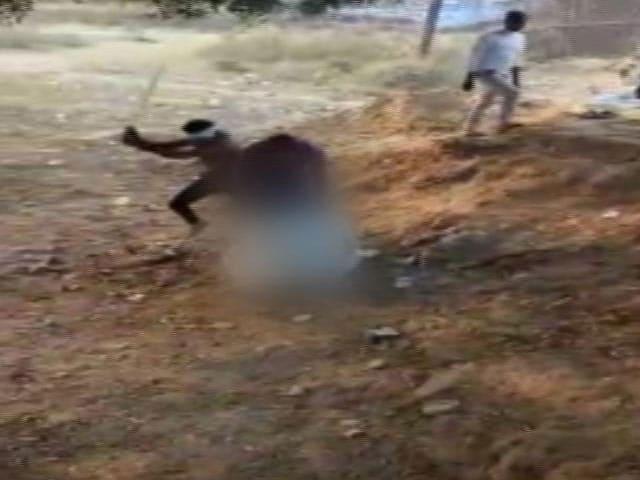 Video : भिंड में दबंगों ने दलित टीचर को पीटा