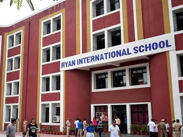 Video : इंडिया 7 बजे : प्रद्युम्न मर्डर केस में सीबीआई ने सीनियर छात्र को गिरफ़्तार किया