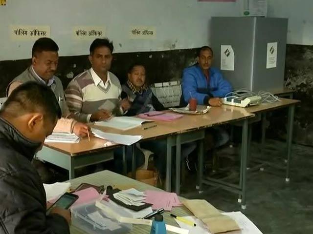 Video : हिमाचल प्रदेश चुनाव में सुबह 8 बजे से वोटिंग हुई शुरू