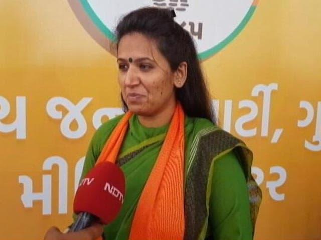 Videos : हार्दिक की साथी रेशमा पटेल ने उन पर लगाया टिकटों की डीलिंग का आरोप
