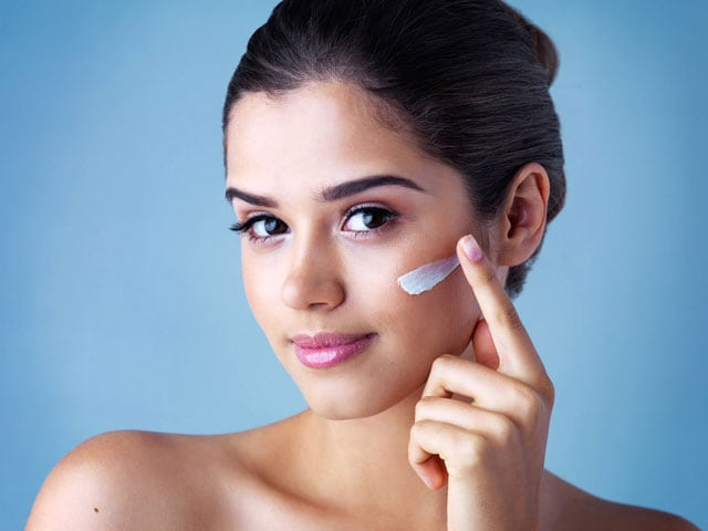 Video : 4 Ways To Fix That Stubborn Pimple Without Losing Your Sanity