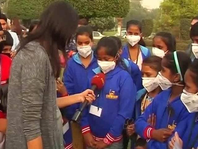 Video : PM Modi, Help Us Breathe, Say Children
