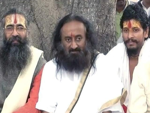 Video : इंडिया 8 बजे : अयोध्या मामले में सुलह की कोशिशों को झटका