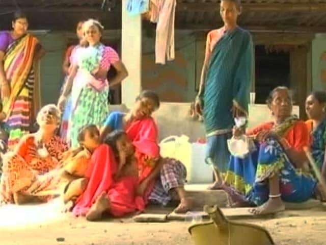 Video : After Selling Crop At A Loss, Telangana Farmers Return Home With Pesticide