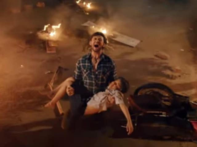 Videos : फिल्म रिव्यू : 'मुज़फ्फरनगर - द बर्निंग लव' की स्क्रिप्ट है कमजोर