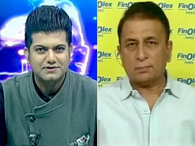 Videos : ग्रीन टॉप विकेट पर मुश्किल में हैं भारतीय बल्लेबाज: सुनील गावस्कर