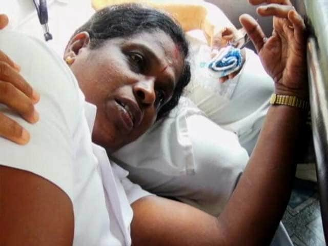 Video : Nurse Attacked During Vaccination Drive In Kerala, 3 Arrested