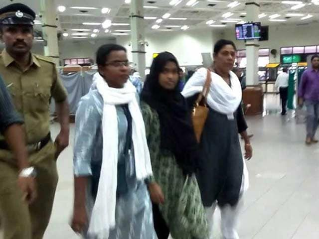 "Video : ""Want To Live With My Husband"": Hadiya Before Taking Delhi Flight"