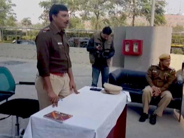 Videos : दिल्ली : एयरपोर्ट के टैक्सी ड्राइवरों को शराब-पोर्नोग्राफ़ी की लत से बचाने की कोशिश