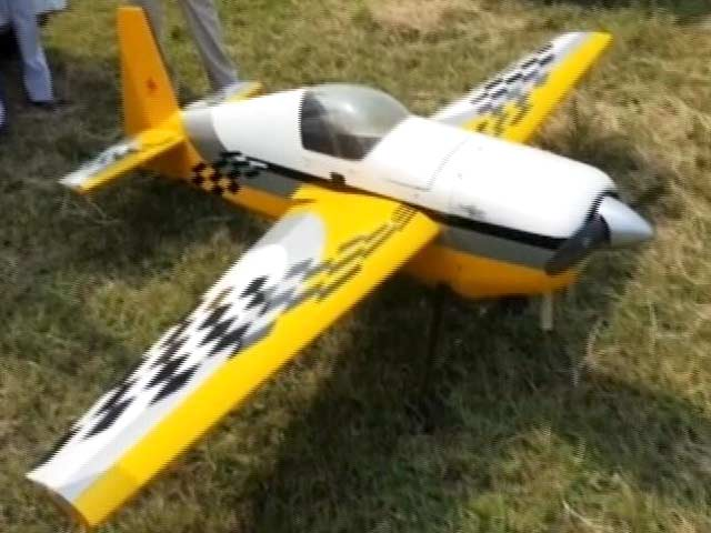 Video : Proposed Rules Clip Wings of Model Airplanes, Club Them With Drones