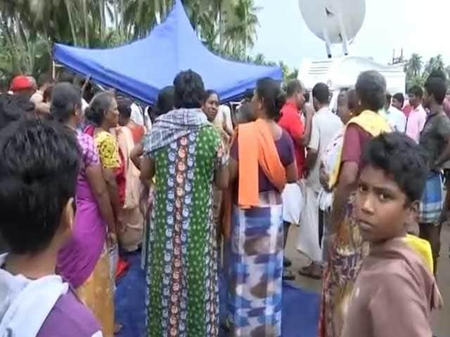 Video : चक्रवाती तूफान ओखी के चलते 10 लोगों की मौत, 42 से ज़्यादा मछुआरे लापता