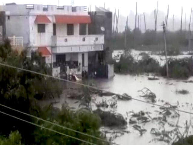 Video : Cyclone Ockhi Wreaks Havoc In Kanyakumari; Damages Power Infrastructure