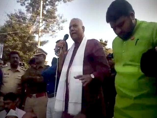 """Video : Yashwant Sinha, Detained In Maharashtra, Says """"Won't Budge"""" Till Demands Met"""