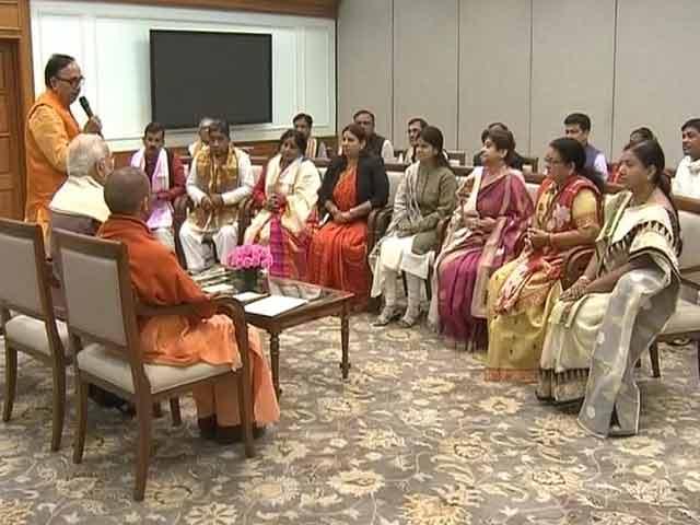 Videos : यूपी के नव नियुक्त मेयरों को गुजरात चुनाव प्रचार की कमान