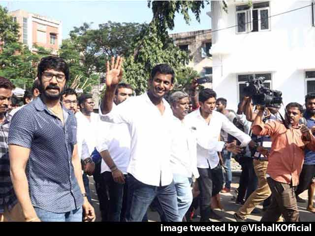 Video : Actor Vishal Fights Back On RK Nagar, Tweets President, PM