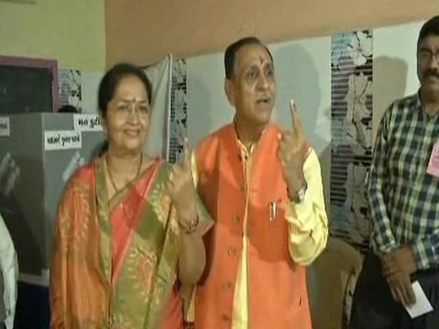 Video : Gujarat Chief Minister Vijay Rupani Casts Vote In Rajkot-West