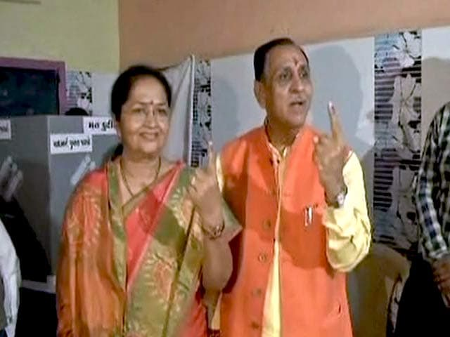 Video : Gujarat Chief Minister Vijay Rupani Casts Vote In Rajkot-West