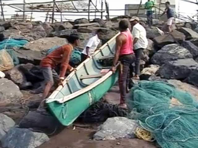 Videos : मछुआरों के इलाके में भी वोटिंग