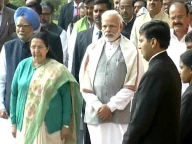 Video : Parliament Attack 16th Anniversary: PM Modi, Senior Lawmakers Pay Tribute