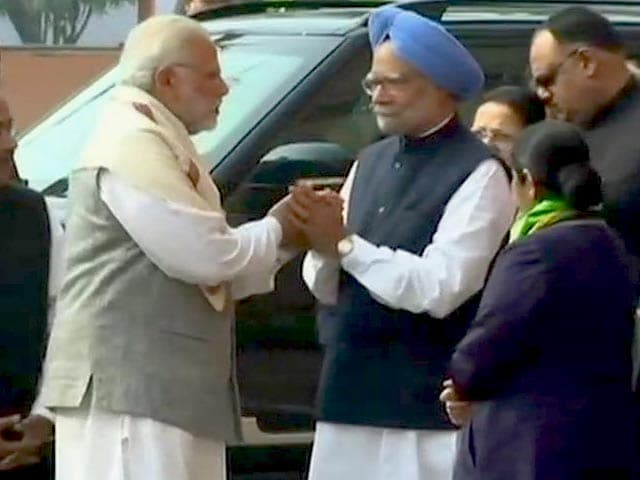Video : PM Modi, Manmohan Singh's Handshake After Bitter War Of Words