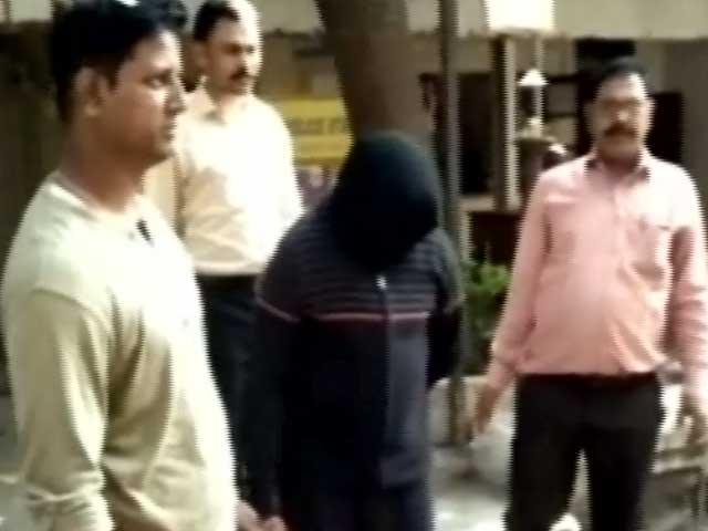 Videos : मुंबई में हाई प्रोफाइल पार्टियों में ड्रग्स सप्लाई करने वाला बकुल चंदरिया गिरफ्तार