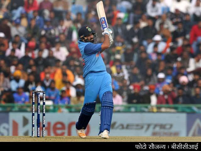 Videos : रोहित के 'डबल धमाल' से टीम इंडिया ने दूसरा वनडे जीता