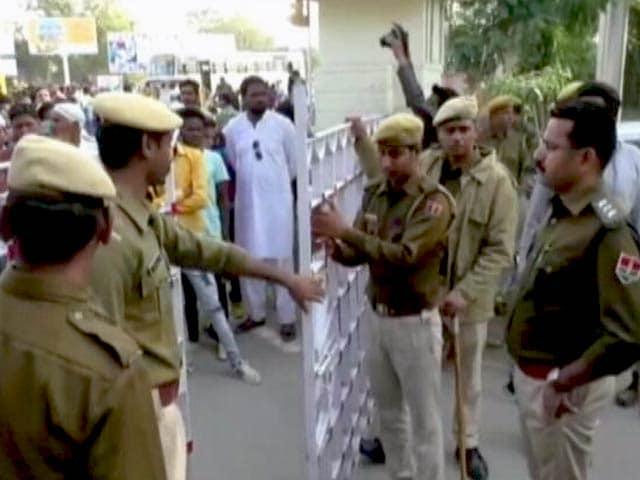 Videos : हत्या के आरोपी शंभूलाल के समर्थन में रैली रोकने के लिए उदयपुर में धारा-144 लागू