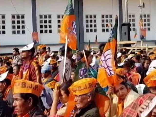 Videos : गुजरात में बीजेपी और कांग्रेस के बीच कांटे की टक्कर