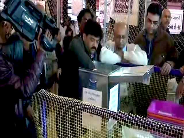 Video : Gujarat Election 2017: Officials Open Ballot Boxes, Counting Of Votes Begins