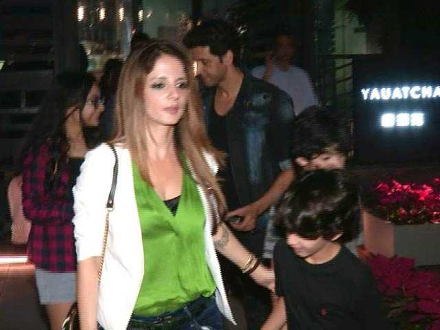Spotted! Hrithik Roshan & Sussanne Khan With Their Kids