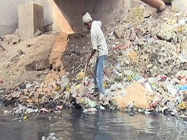 Video : Manual Scavenging: Prohibited But Prevalent