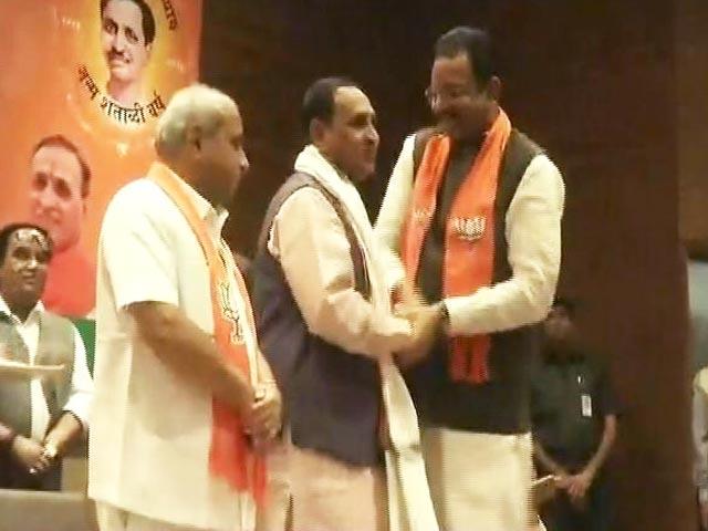 Video : Simple समाचार : विजय रूपाणी फिर चुने गए गुजरात के मुख्यमंत्री