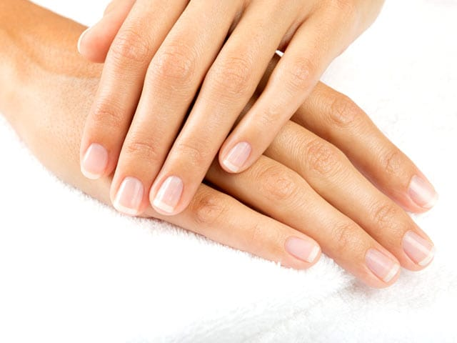 Beauty Tips: Yellow, Stained Nails? 4 Tricks To Lighten Them Instantly