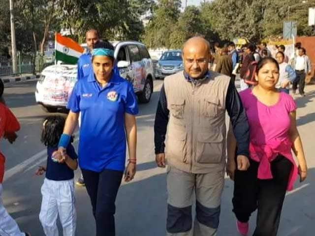 Videos : बेटियों की ख़ातिर प्रतिभा पुंडीर की पैदल यात्रा