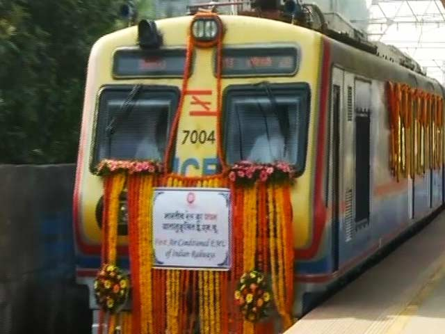 Video : 'Mumbai AC Local Will Encourage People To Leave Cars At Home': Commuters
